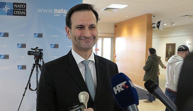HRVATSKA GAF-DIPLOMACIJA: Povijesni prijatelji i neprijatelji ministra Mire Kovača