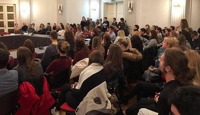 BITI ILI NE BITI: Kome smetaju Hrvatski studiji