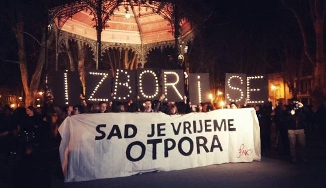 """NOĆNI MARŠ ZA PRAVA ŽENA: """"Dolje Vlada, dolje Stier, dajte mojoj pički mir!"""""""
