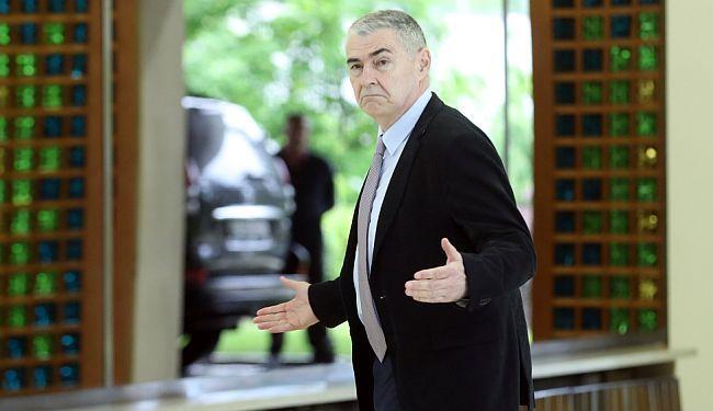 ZAGAĐIVANJE SABORA: Željko Glasnović poželio novinaru zabiti mikrofon u stražnjicu