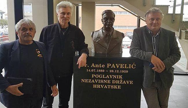 """""""VRSNI ZNANSTVENIK"""" U DOBROM DRUŠTVU: Toplo nasmiješeni Roman Leljak uz poglavnika Antu Pavelića"""