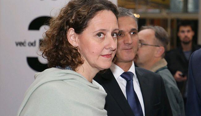 """HASANBEGOVIĆ U JANJEĆOJ KOŽI: Ministrici bolje novac vratiti u Bruxelles, nego njime hraniti """"neprijatelja""""?"""