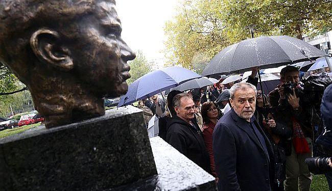 """KAKO JE BANDIĆ """"IZDAO"""" SAMOG SEBE: Jučer veličao Ivu Lolu Ribara, a danas ga uklanja"""