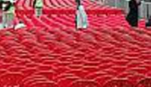 SARAJEVSKA CRVENA LINIJA: Evo kako danas izgleda Sarajevo kojim je 'potekla rijeka' praznih crvenih stolica