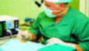 Roboti zamjenjuju kirurge