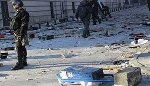 VIDEO/FOTO: Policajci u Tuzli se pridružili prosvjednicima, u Mostaru zapaljena sjedišta nacionalističkih stranaka SDA i HDZ