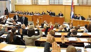 STRAH I DEMOKRACIJA: Udarite barem dobar temelj za budućnost i uključite građane u donošenje odluka