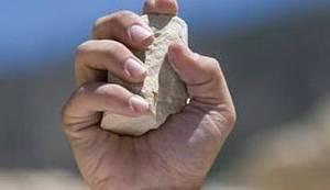 DRONOVI U KRISTALNIM NOĆIMA: Ima li išta logičnije nego da Albancu razbijemo pekaru, poslastičarnicu, glavu…