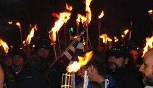 NIŠTA NIJE GOTOVO: Tisuće neonacista demonstrirale s bakljama po Ateni