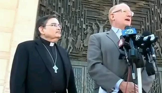 'NEPRIJATELJSKA ARHITEKTURA' (VIDEO): Kad katedrala ugradi prskalice za rastjerivanje usnulih beskućnika