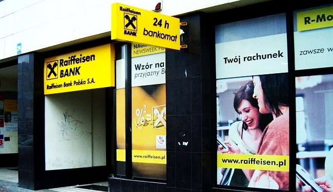 """DELOŽACIJE I OVRHE: """"Raiffeisen zadruge opljačkale su naše građane"""""""