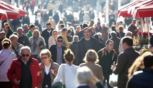 """NA MATERINOJ SPIZI: Hrvate najdulje uzdržavaju """"starci"""" u cijeloj EU"""
