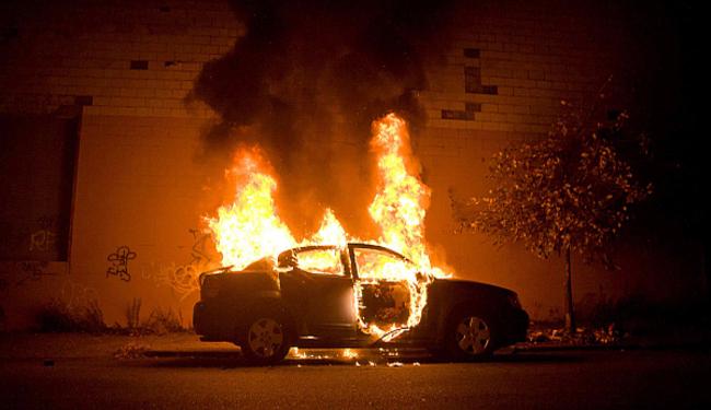 ZAPALILI AUTO PREDSJEDNIKA UPRAVE EUROHERCA: Podmetnuli mu požar pod mercedes