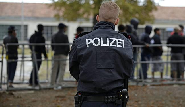 GDJE JE TA 'SUPERIORNOST': A što da su Njemačka i SAD Hrvate dočekivali sa zidom i bodljikavom žicom?