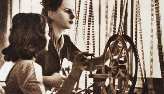 """""""TI SI TAKO HLADNA"""": Tribina o povijesti borbe za ženska i socijalna prava"""
