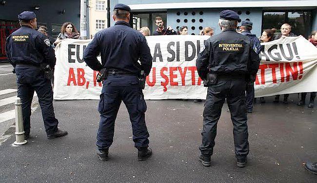 PROSVJED PROTIV ERDOGANA U ZAGREBU: Prodajete dušu vragu!