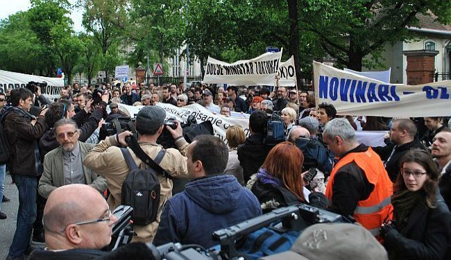 ŠUTNJA JE ZLAT(K)O: Politika zatiranja neovisnih medija neće proći bez otpora