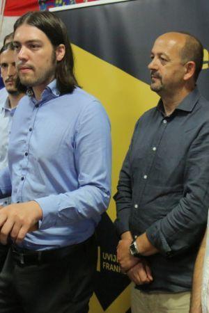 DOBRO ODRAĐEN POSAO: Kako je Živi zid Hrvatima prodao muda pod bubrege