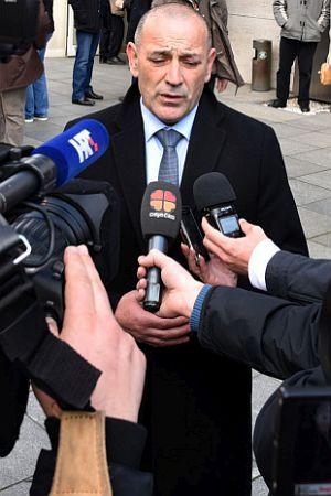 MUDROSLOVLJE TOME MEDVEDA: Kad ministar građanima nabija braniteljski kompleks