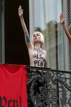 "PRVOMAJSKI ŠOVINIZAM: Feministkinje pokvarile zabavu Nacionalnoj fronti, Česi blokirali ""svoje"" neonaciste"