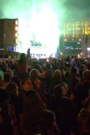 PRED 160.000 LJUDI: Koncert koji ima umirujući učinak