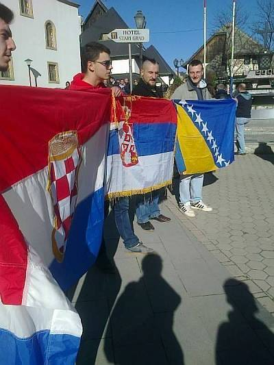 jajce tri zastave