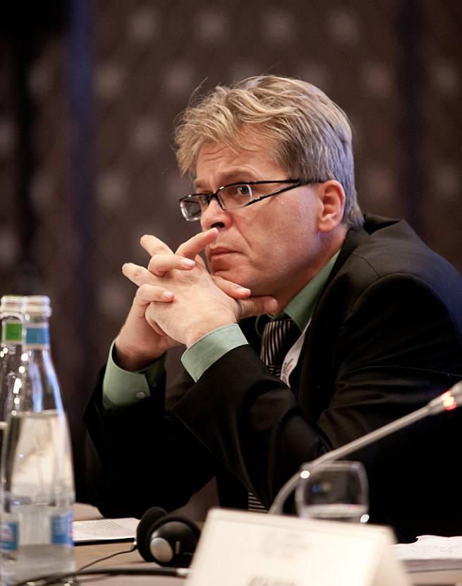 Anis Bajrektarević