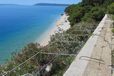 DRUGA STRANA JADRANA: Ljetne terase s kojih više ne dopiru nikakve melodije