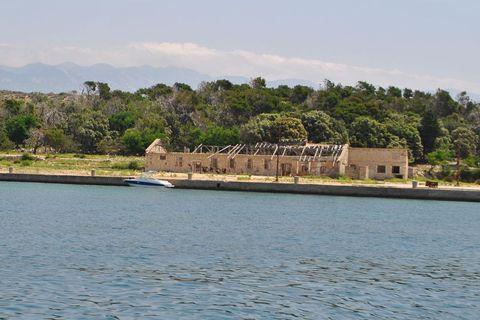 Otok je potpuno nenaseljen