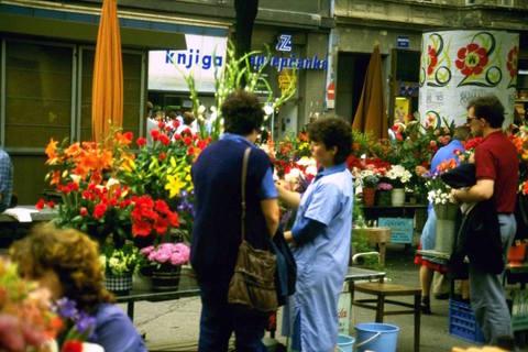 Na Cvjetnom je u 80-ih godina bilo puno više cvijeća i samo jedna terasa koja je pripadala odavno zatvorenom kinu Zagreb
