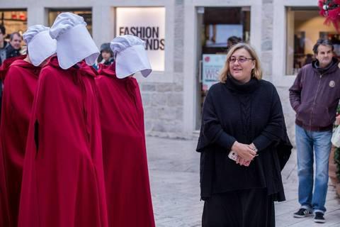 "Zagrebom prošetale ""sluškinje"" iz distopije Margaret Atwood"