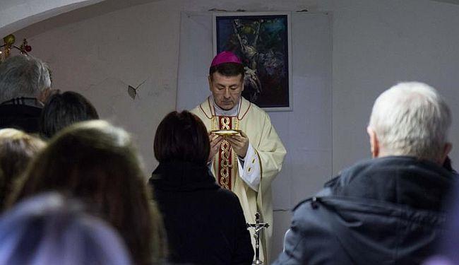GOSPODINE HVALA: Crkva na mala vrata ulazi na Medicinski fakultet?
