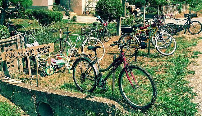 PLEMENITI MEĐU NAMA: Dobri čovjek iz Hrastja popravlja i poklanja bicikle siromašnoj djeci