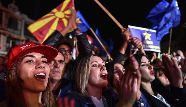 UVJERLJIVI TRIJUMF SOCIJALDEMOKRATA: Zaev slavi, Gruevski se žali na regularnost izbora