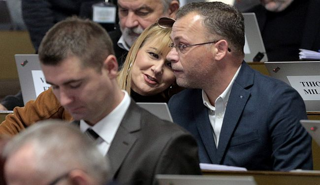 IVO LOLA OSTAJE: Hasanbegović svoj poraz proglasio pobjedom