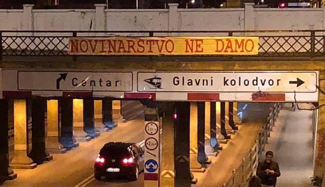 MALA NOĆNA AKCIJA: Na Miramarskoj postavljen transparent s jasnom porukom