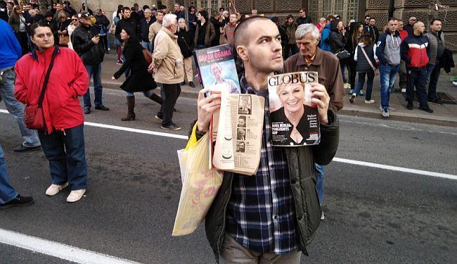 """SLIKE BEOGRADSKIH PROTESTA: """"Ko to kaže, ko to laže - da ne branimo Srbiju"""""""