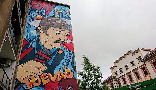 """DUŠA SARAJEVA: U čast Davorinu Popoviću """"osvanuo"""" golemi mural"""