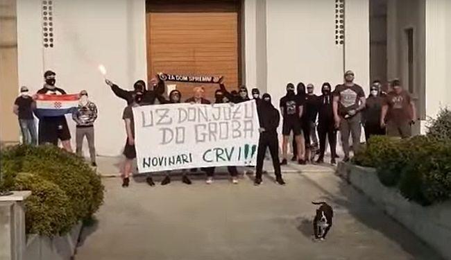 """IMA LI KRAJA SAMOVOLJI """"DON JOZE"""": Nakon svega pozirao s huliganima, uz zastavu NDH i šal """"Za dom spremni"""""""