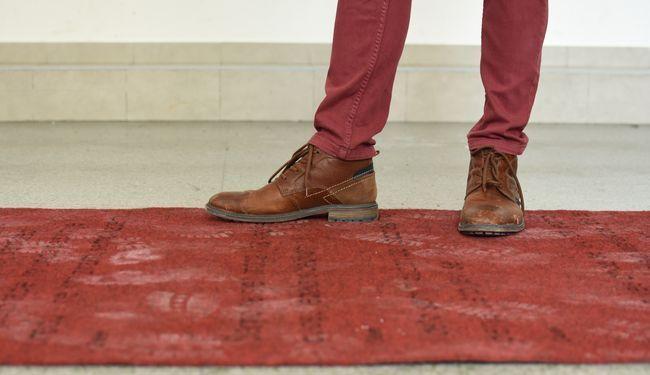 UMJETNICA ODGOVORILA NA PORUKE ZLOSTAVLJAČA: Stavila ih je na crveni tepih