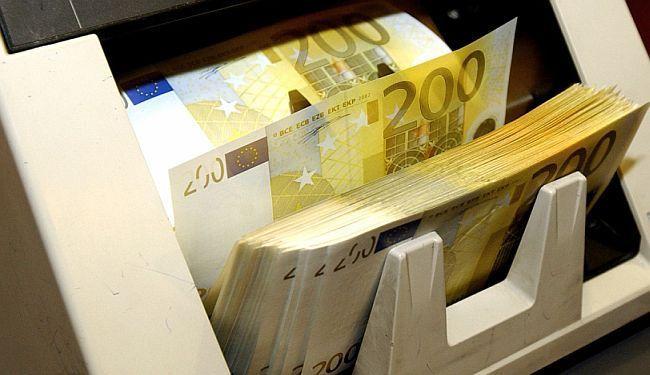 ŠUTNJA U NEČIJEM INTERESU: Zašto dvije najveće hrvatske banke od javnosti kriju veliku odštetu?