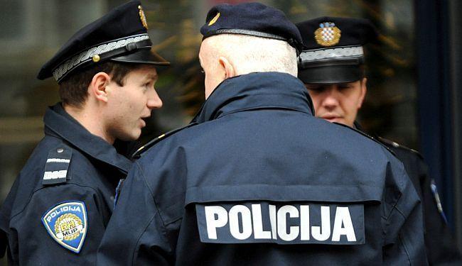 FACEBOOK RATNICI I GOVOR MRŽNJE: Zbog poziva na linč napadnute novinarke u splitskoj crkvi reagirala i policija