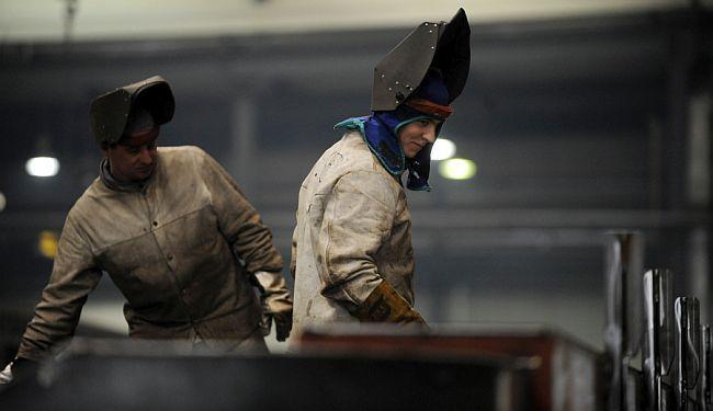 FATALNA PRIVLAČNOST: Velika analiza odnosa stranih korporacija prema radnicima u istočnoj i srednjoj Europi
