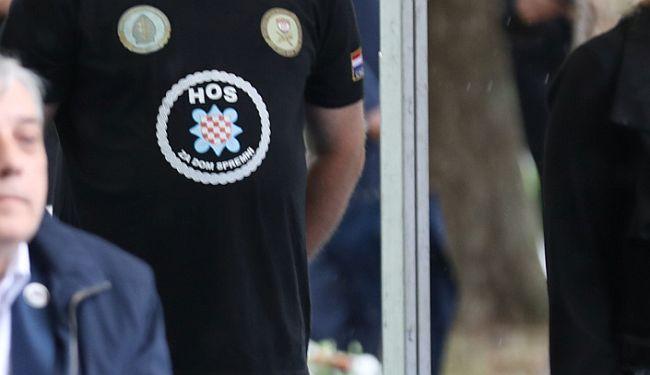 SAMO JEDAN JE ODGOVOR: Biste li bili sretniji da je Milanović nemarno stajao uz crne majice s ustaškim krilaticama?