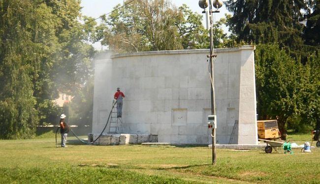 """PISMO ČITATELJA UZ DAN OSLOBOĐENJA KARLOVCA: """"Spomenik koji ste uništili i dalje čeka – ogoljen i prazan"""""""