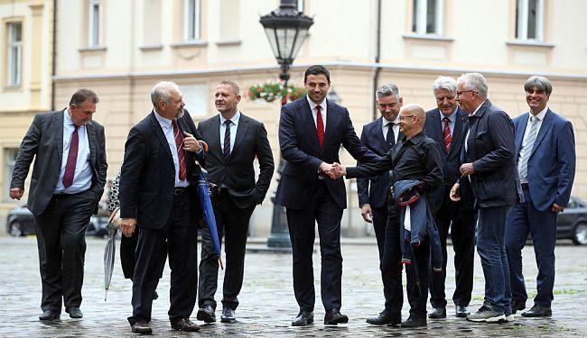 HDZ PLJEŠĆE SDP-OVIM LISTAMA: Bernardić nikome nije ništa zaboravio