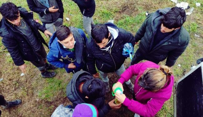 REPORTAŽA–LUPIGA MEĐU VOLONTERIMA U ŠIDU: Toplim obrokom za izbjeglice u destabilizaciju države