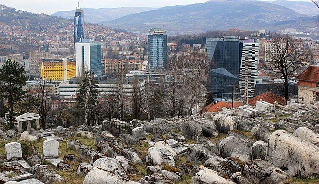 """OD """"OSTALIH"""" SAD SMO POSTALI NESTALI: O čemu svedoči devastirano Jevrejsko groblje u Sarajevu?"""