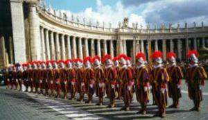 Papi fali stražara