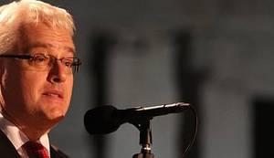 """KODNO IME – """"NI V'RIT NI MIMO"""": Zašto predsjednik Ivo Josipović bezočno laže?"""